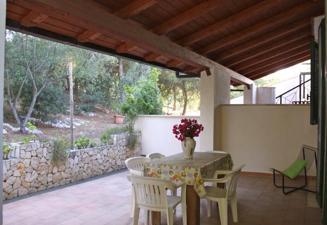 Vakantiehuisje gargano met zwembad en prive strand puglia for Vakantiehuisjes met prive zwembad