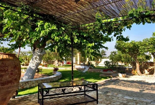 Trullo Op Vakantieparkje Puglia 8