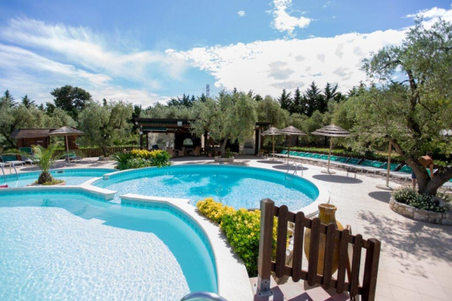 Vieste Kindvriendelijk Vakantiepark Met Zwembad Vlakbij De Kust 10