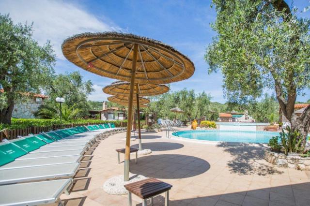Vieste Kindvriendelijk Vakantiepark Met Zwembad Vlakbij De Kust 3