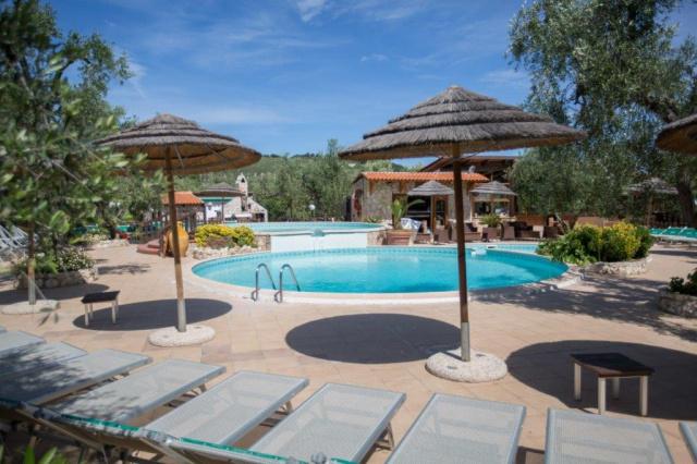 Vieste Kindvriendelijk Vakantiepark Met Zwembad Vlakbij De Kust 8