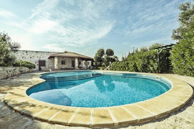 Villa En Trulli Ostuni Met Groot Zwembad 2
