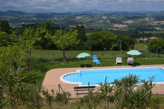 Villa Met Zwembad Montecarotta 18