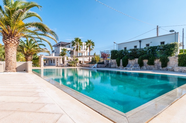 Villa Met Zwembad En Tennisbaan Martina Franca 1