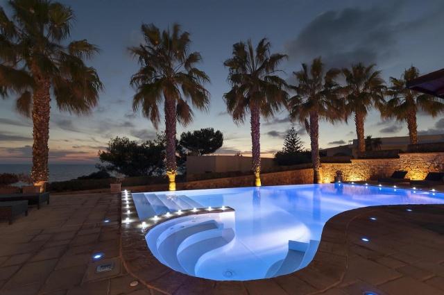 Villa Met Zwembad En Zeezicht Puglia 28