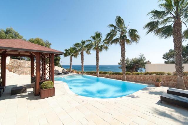 Villa Met Zwembad En Zeezicht Puglia 5