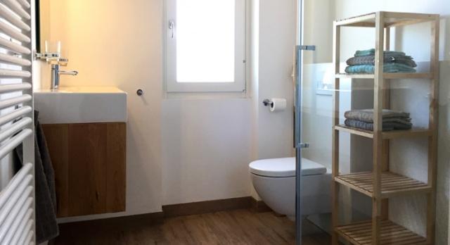 08 Villa Montecalvo Appartement Vista Mare Badkamer