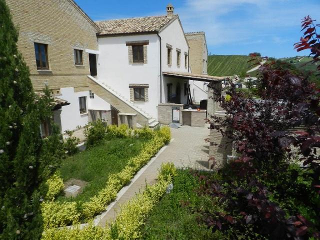 20131021044720Luxe Appartementen Met Zeer Groot Zwembad In Le Marche 67