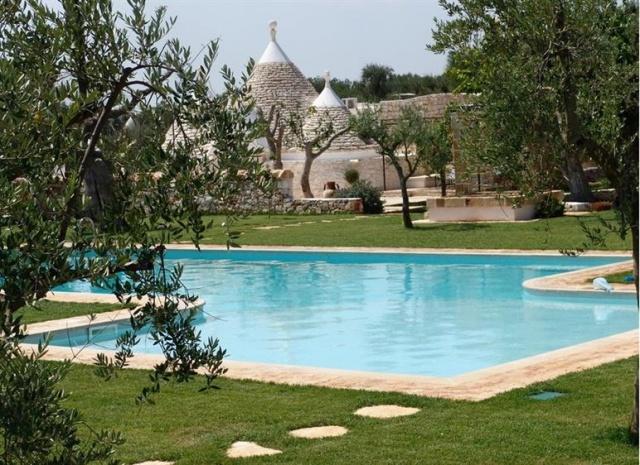 20170726064107Park Met Trullis Bij Ostuni Met Zwembad Puglia 11