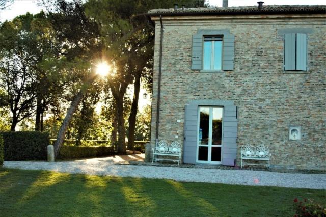 20180322014253Statig Landhuis Met Appartementen Vlakbij Zee Pesaro 76a