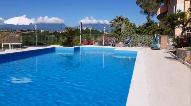 20180628103853Le Marche Abruzzo Appartementen Groot Zwembad Loopafstand Dorp 23