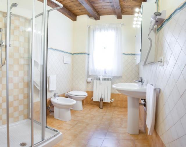 20190318042342Le Marche San Severino Luxe Villa Park Zwembad 44