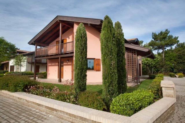 20190319094344Le Marche San Severino Luxe Villa Park Zwembad 30
