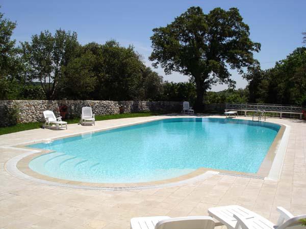 2 Vakantiewoning Met Zwembad In Oude Masseria