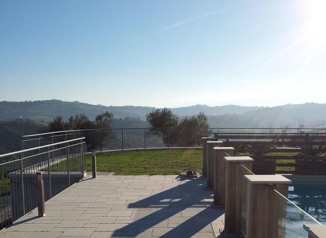 3 Benedenwoning Met Omheind Zwembad Abruzzo