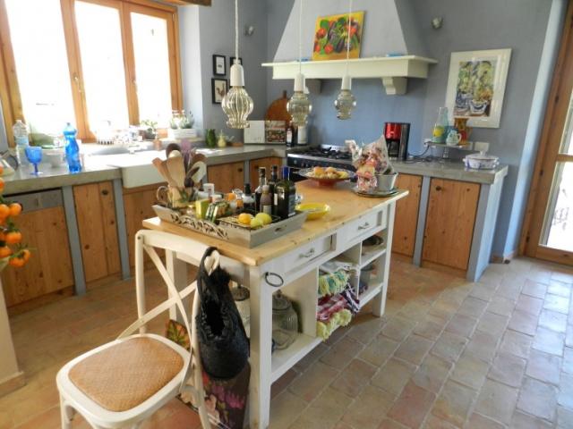 Barchi Villa Zwembad LMV3360 Keuken 1