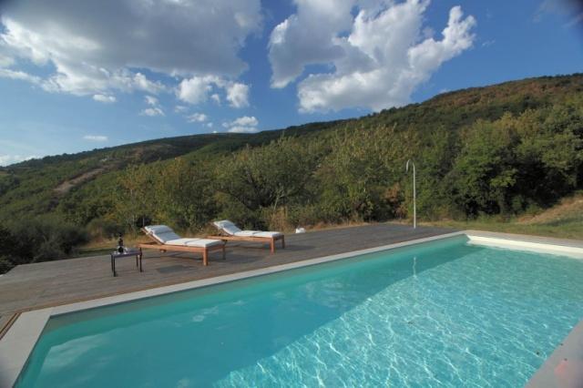Compleet Vrij Gelegen Villa Pergola 1