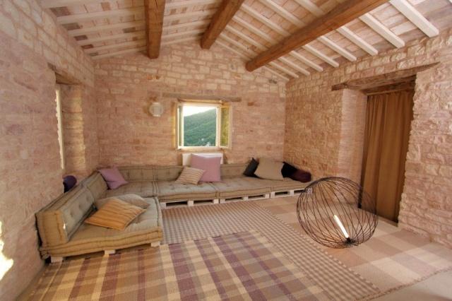 Compleet Vrij Gelegen Villa Pergola 28