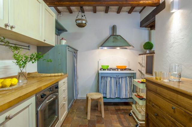 Fermignano Le Marche Luxe Villa Zwembad Keuken 1