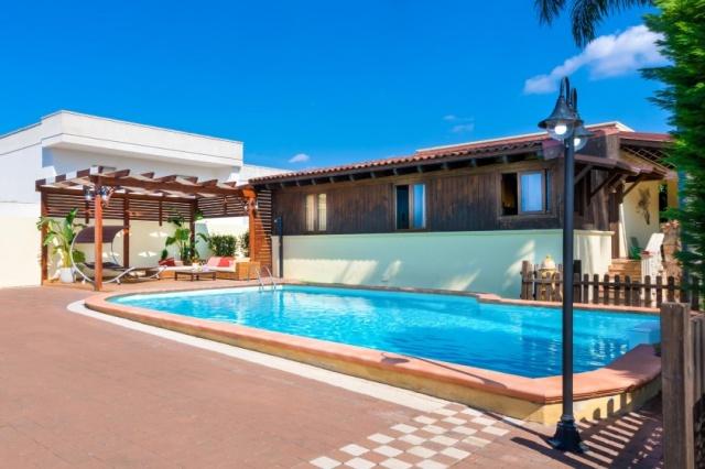 Gallipoli Puglia 9p Villa Met Zwembad Aan Zee 05829