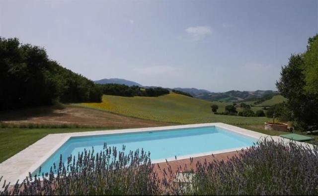 Grote Villa Met Zwembad In Le Marche 3d