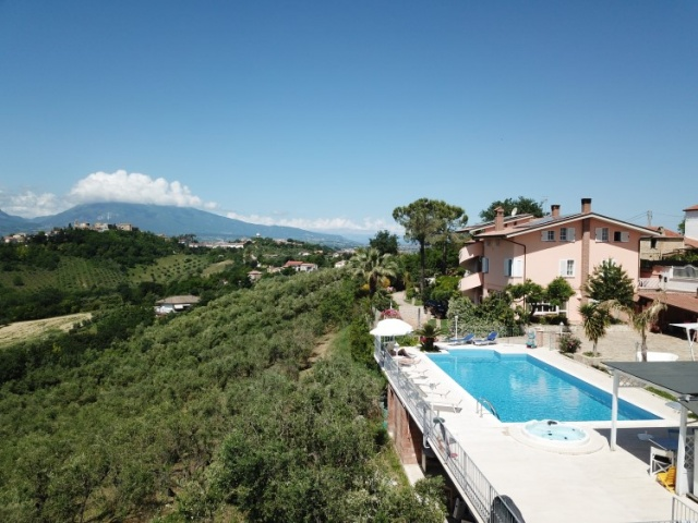 Le Marche Abruzzo Appartementen Groot Zwembad Loopafstand Dorp 4