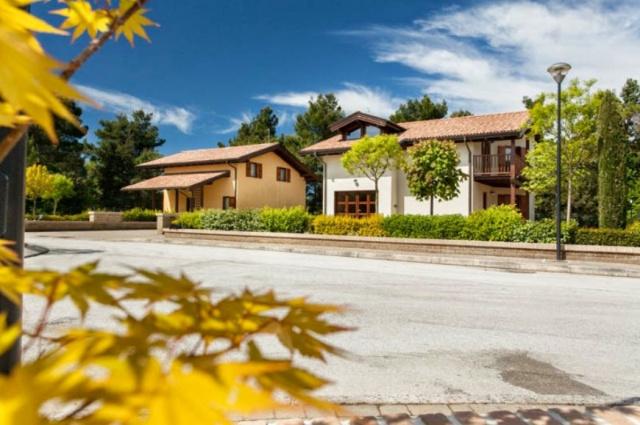 Le Marche San Severino Luxe Villa Park Zwembad 4d