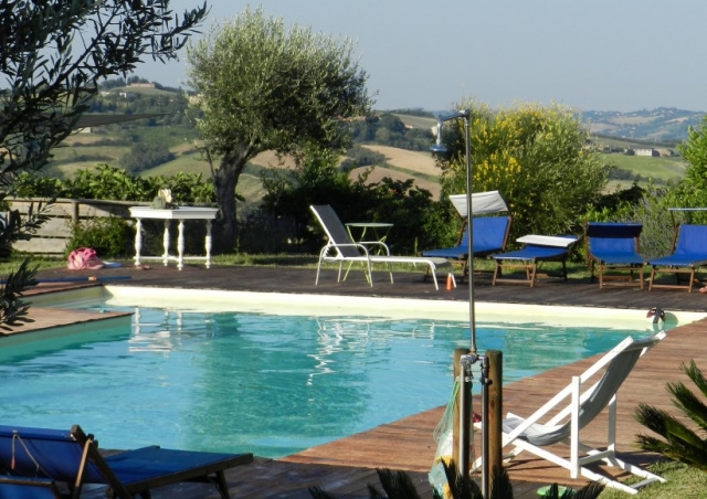 Le Marche Agriturismo Zwembad 7