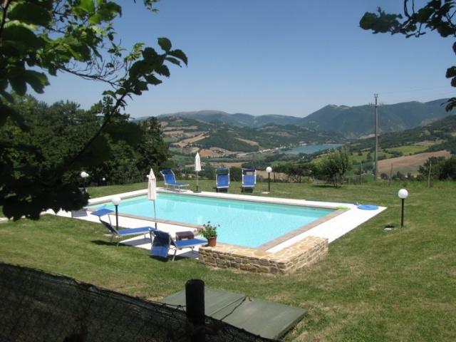 Le Marche Compleet Vrijgelegen Villa Met Zwembad 15