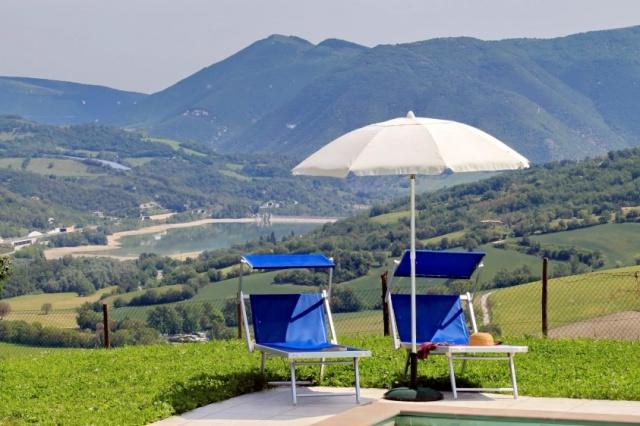 Le Marche Compleet Vrijgelegen Villa Met Zwembad 22