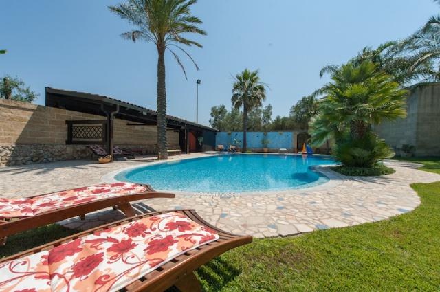 Lecce Masseria Met Zwembad 1