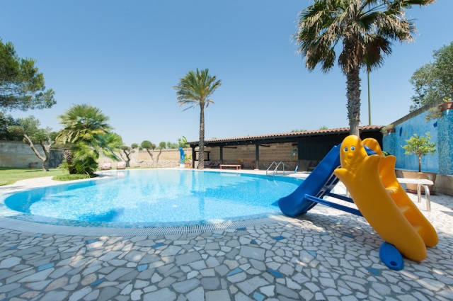 Lecce Masseria Met Zwembad 3