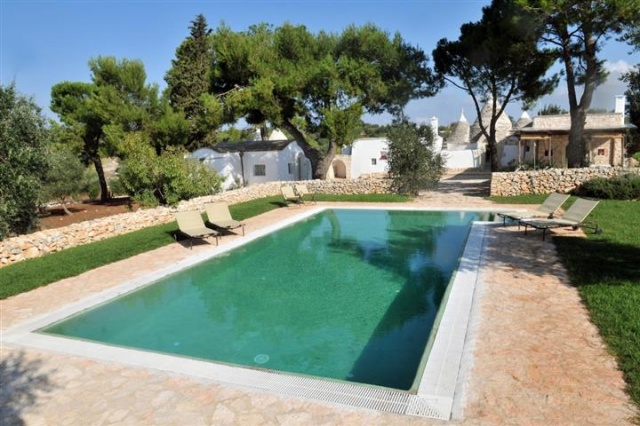 Luxe Trullo Met Zwembad Puglia 7