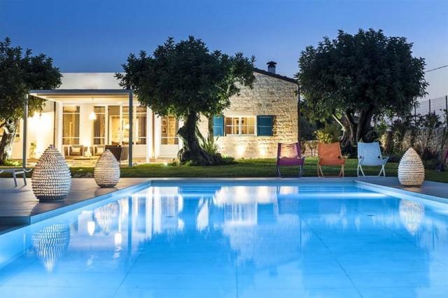 Luxe Villa Infinity Pool Sicilie 1