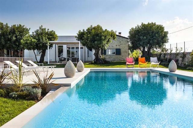 Luxe Villa Infinity Pool Sicilie 3