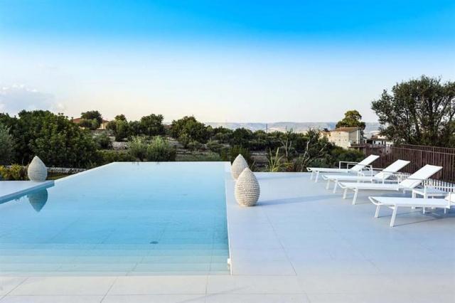 Luxe Villa Infinity Pool Sicilie 6