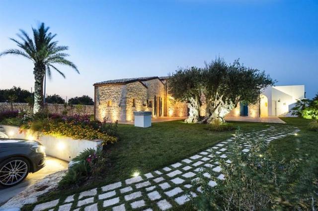 Luxe Villa Infinity Pool Sicilie 9