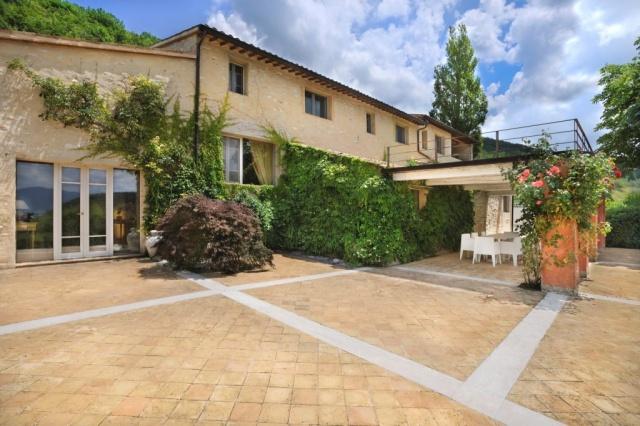 Luxe Grote Vrijstaande Villa Met Grootzwembad In Le Marche 10