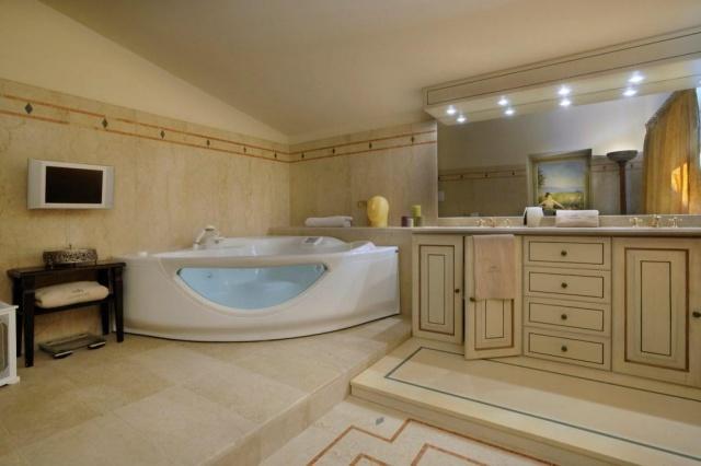 Luxe Grote Vrijstaande Villa Met Grootzwembad In Le Marche 24