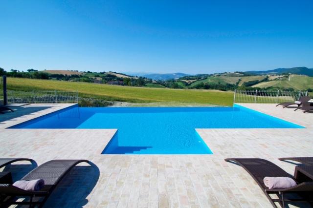 Moderne Villa Groot Zwembad Le Marche 15