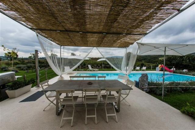Moderne  Vrijstaande Villa Met Zwembad Le Marche 33