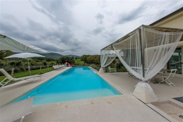 Moderne  Vrijstaande Villa Met Zwembad Le Marche 34