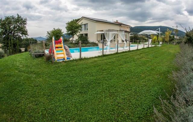Moderne  Vrijstaande Villa Met Zwembad Le Marche 35