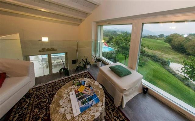 Moderne  Vrijstaande Villa Met Zwembad Le Marche 45