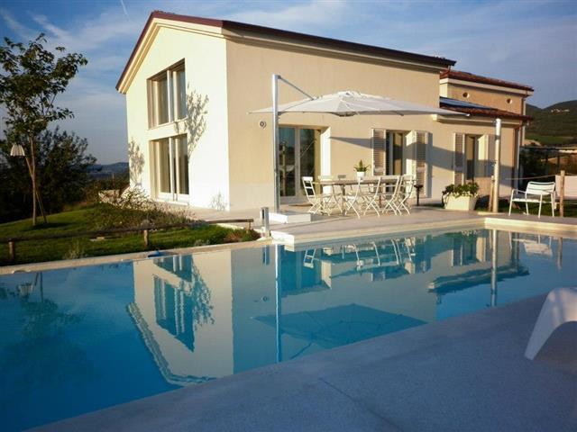 Moderne  Vrijstaande Villa Met Zwembad Le Marche 60