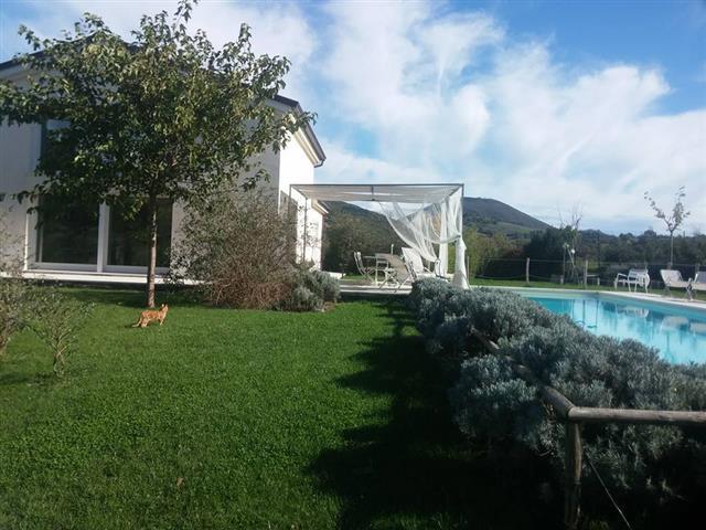 Moderne  Vrijstaande Villa Met Zwembad Le Marche 63