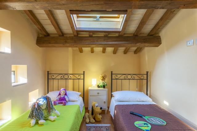 Noord Le Marche Urbino Villa LMV2310B Slaapkamer3