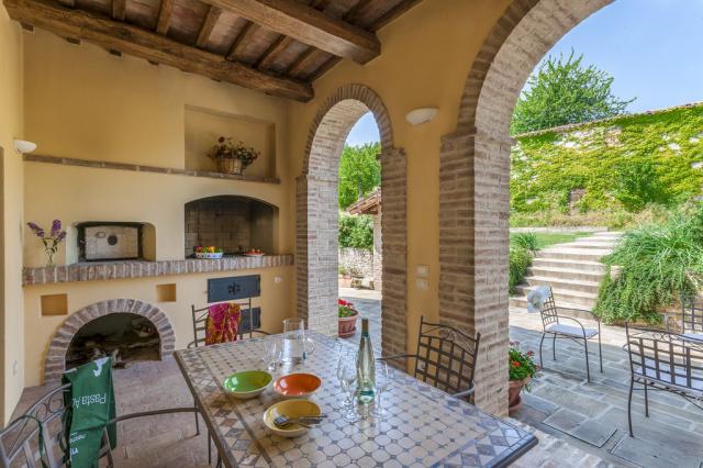Noord Le Marche Urbino Villa LMV2310B Terras1