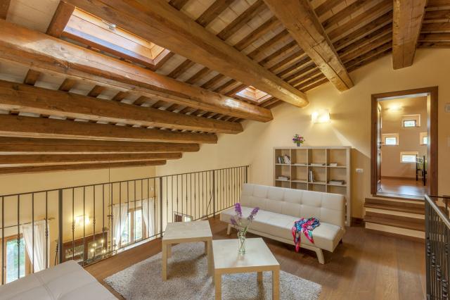 Noord Le Marche Urbino Villa LMV2310B Vide