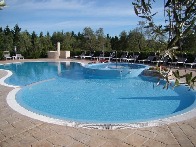 Puglia Gargano Vakantie Park Met Zwembad En Restaurant 2